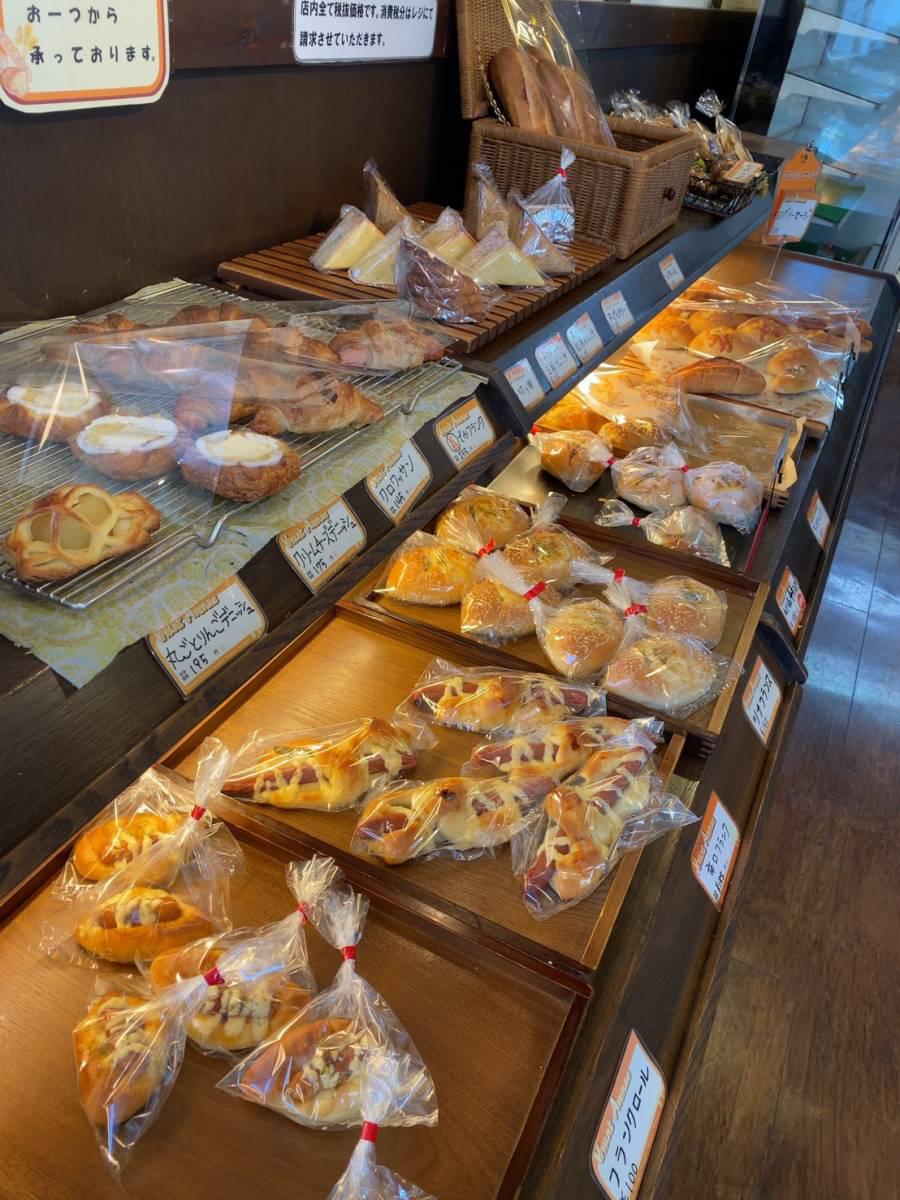 大宮区の美味しいパン屋『Vivant Avenue(ヴィヴァン アヴェニュー)』で『カレーパン』『エッグタルト』『クロックムッシュ』他買って食べてみた。