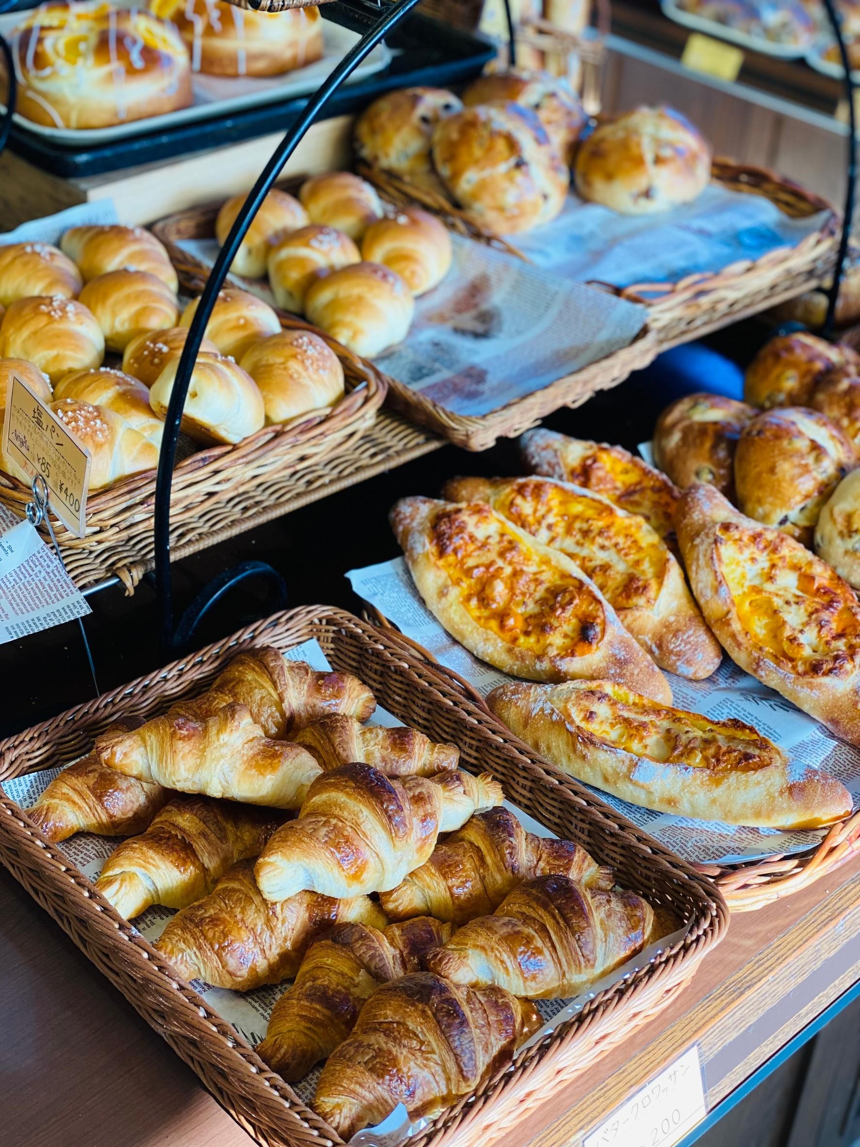北区の美味しいパン屋さん『石窯パン工房Angela(アンジェラ) 大宮店』で『明太子ラウンド』『豆パン』他買って食べてみた。