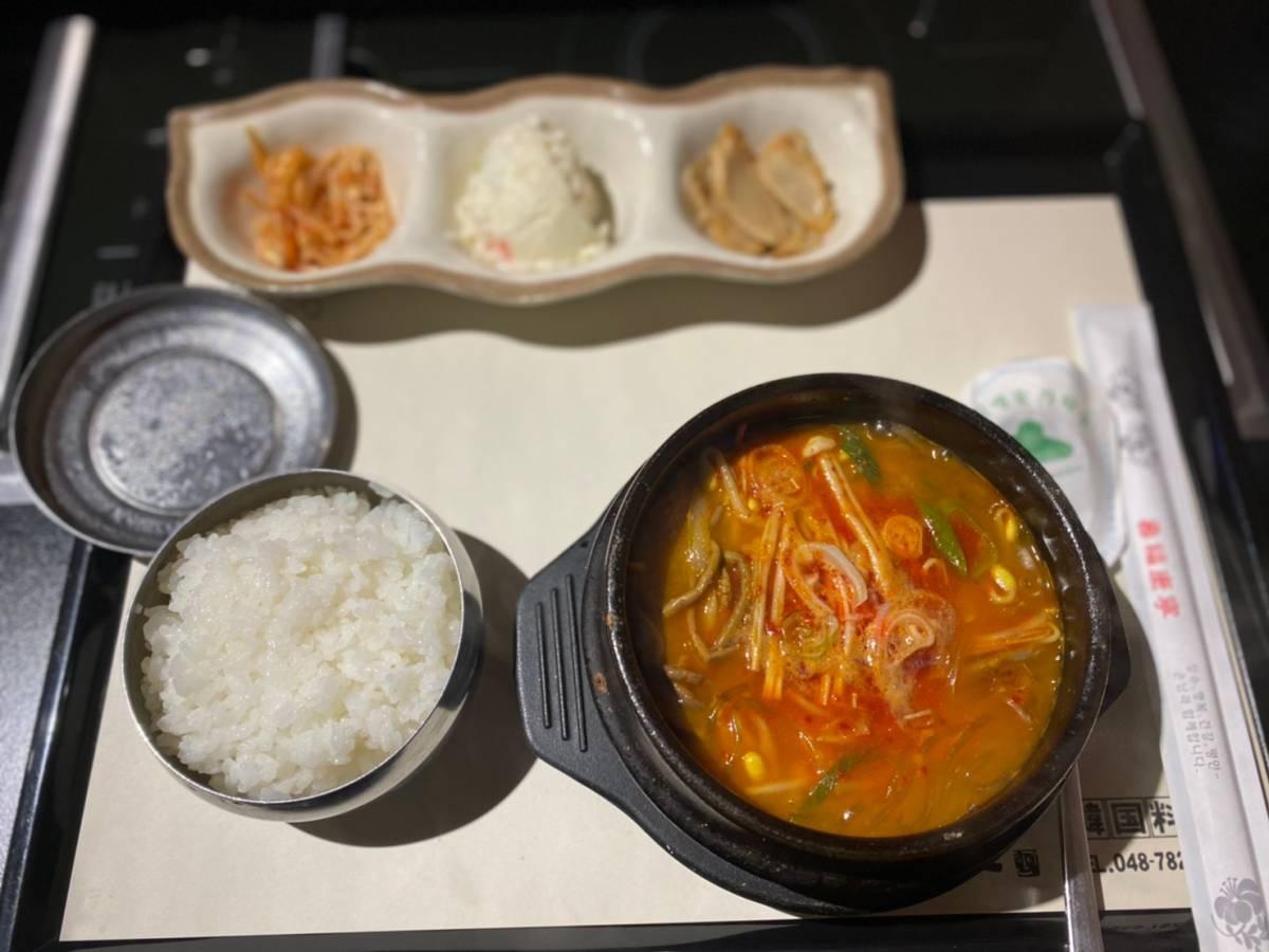 大宮区にある韓国料理の『韓国料亭 漢江(ハンガン)』でランチ『ユッケジャン』『参鶏湯』を食べてきた。