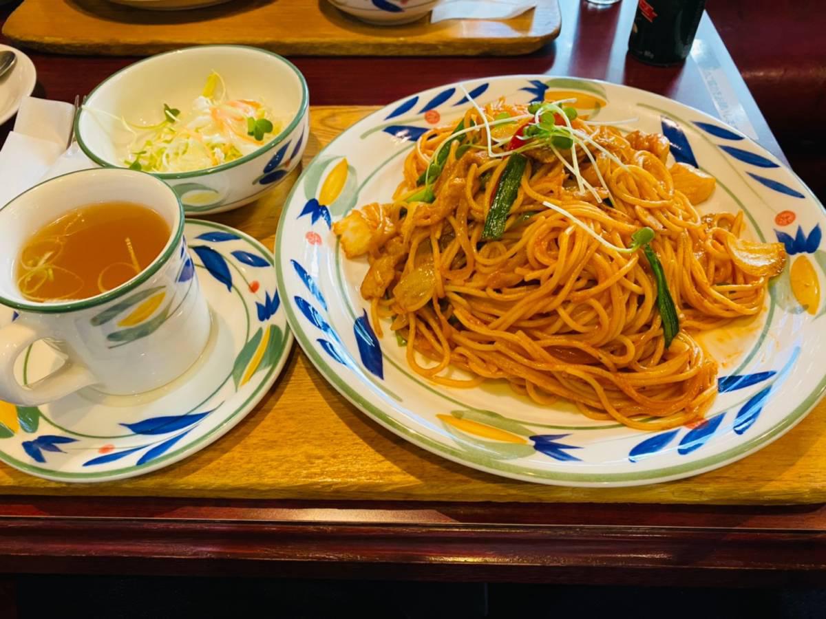 大宮区の世界料理が楽しめる『伯爵邸』でモーニングに『元祖大宮ナポリタン』を食べてきた。