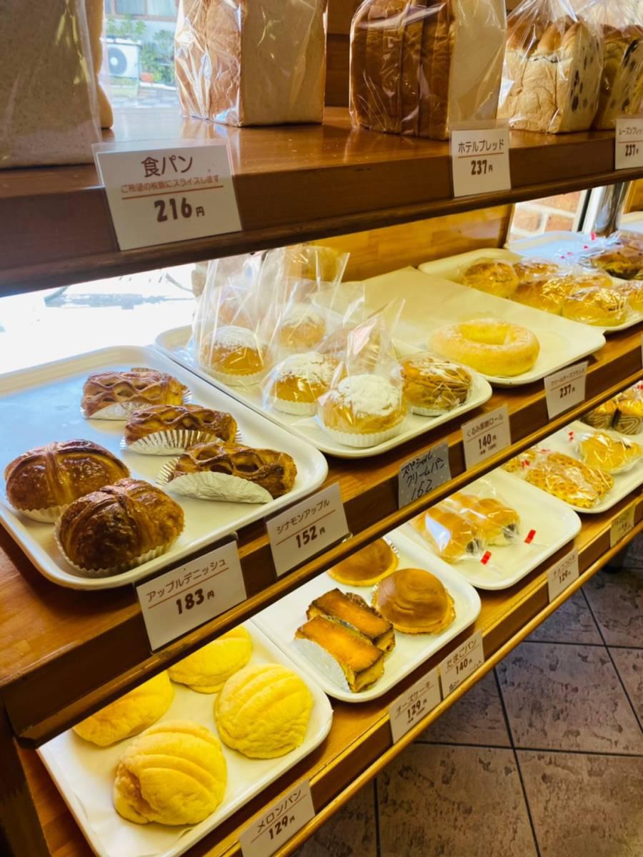 桜区白鍬パン屋『アリマン』で『牛タンシチュー』『ピタチキン』『チーズドック』他買って食べてみた。